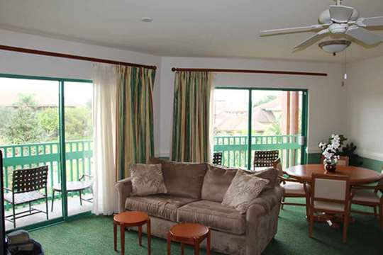 Shades of Green Junior Suite Living Room