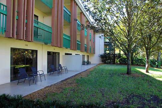 Millpond-Poolside-Rooms-South
