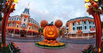 The Complete Guide To Mickey's Halloween Party At Disneyland
