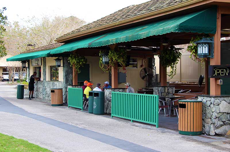 On the Green Grill Review - Convenient to Shades of Green's Magnolia Pool