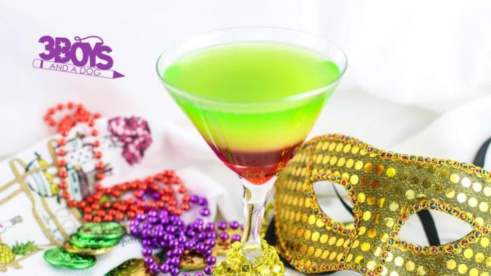 This is a list of The Best 30 Mocktail Recipes Ever! Recipes for mocktails, non alcoholic drinks, alcoholic drinks, for your next party or event. Party drink recipes that are delicious! Rainbow mocktail drink