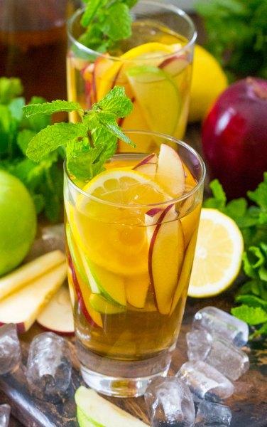 Boozy Apple Iced Tea Ultimate List of Holiday Cocktail & Mocktail Recipes
