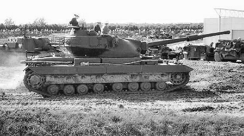 FV214 Conqueror tank | MilitaryImages.Net