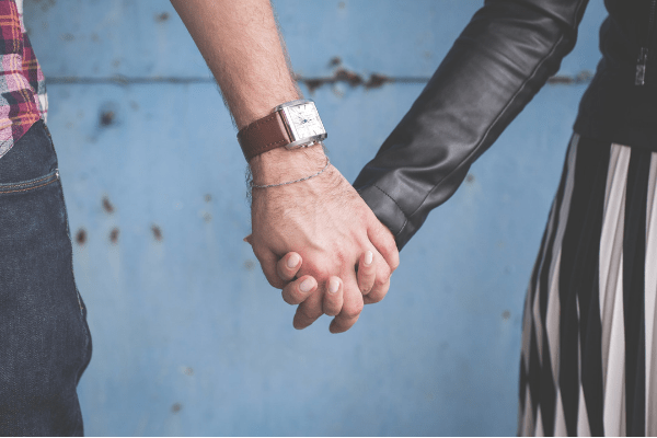 15 Romantic Ways To Show Love In A Long Distance Relationship