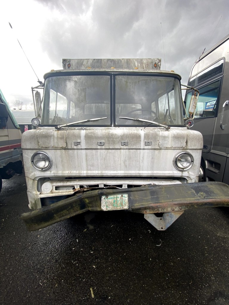 21808 1976 ford 24ft box truck