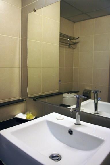 regent-suvarnabhumi-hotel-bangkok-bathroom