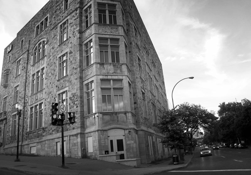 montreal-street-corner