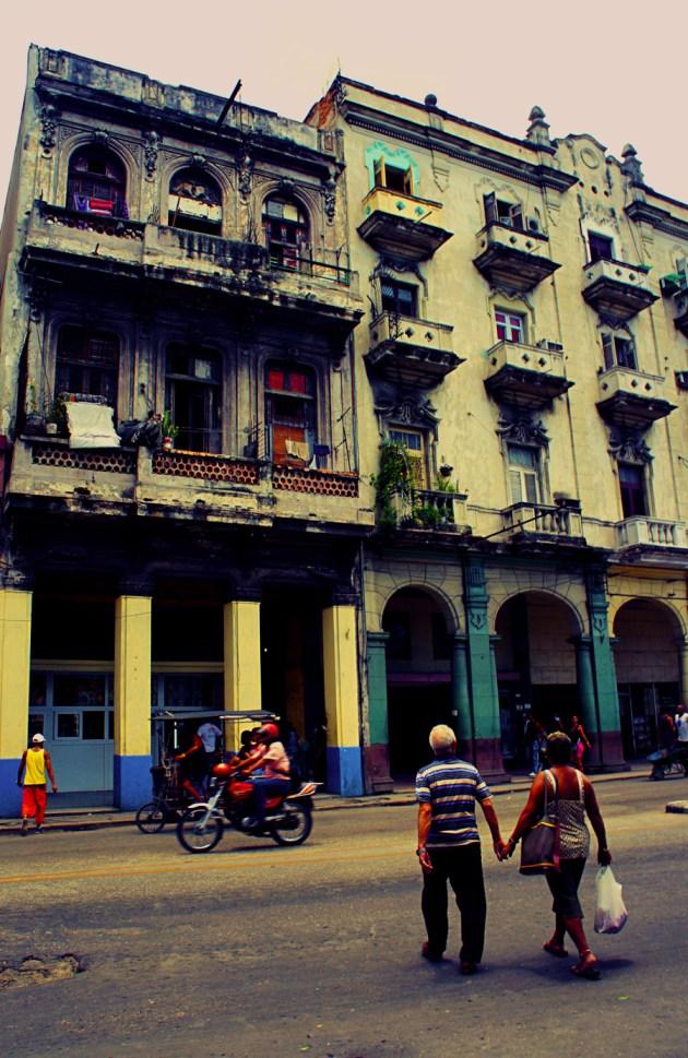 Old-Havana-Couple
