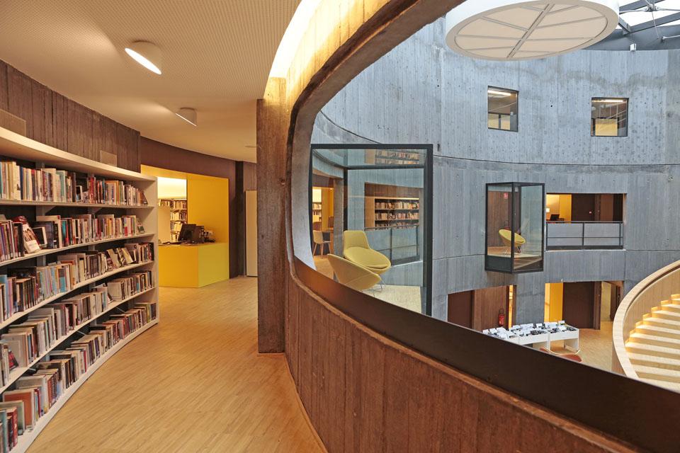 Bibliothque Oscar Niemeyer  MilK decoration