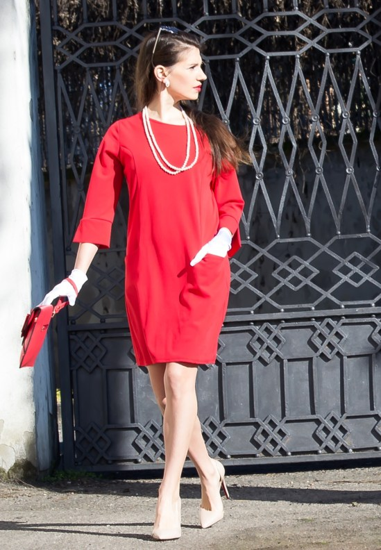 MY OUTFIT  Red and Woman's Day