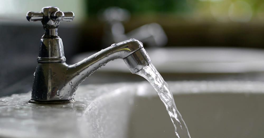 Come ripristinare il filtro rompigetto del rubinetto