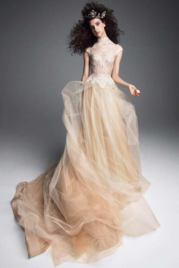 VERA-WANG-FALL-2019-BRIDAL-COLLECTION-12 millemariages.com - Mille Mariages Magazine - Paris - France