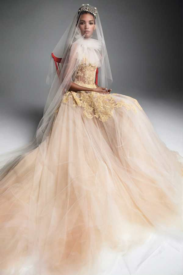 VERA-WANG-FALL-2019-BRIDAL-COLLECTION-8 millemariages.com - Mille Mariages Magazine - Paris