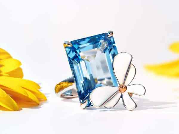 TIFFANY-CO.-RETURN-TO-TIFFANY-LOVE-BUGS-COLLECTION topaze bleue
