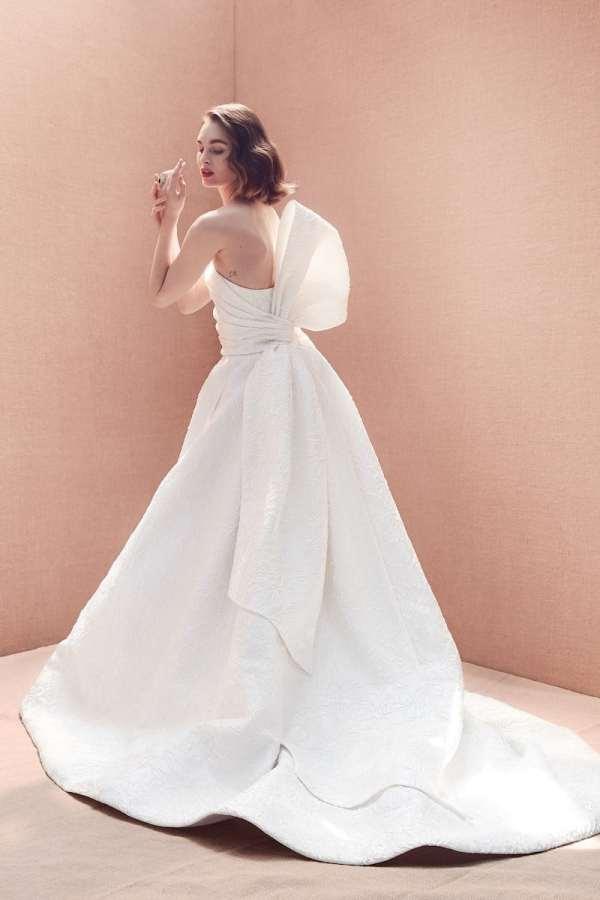 robe-de-marie-oscar-de-la-renta-collection-mariage-2020-millemariages-3