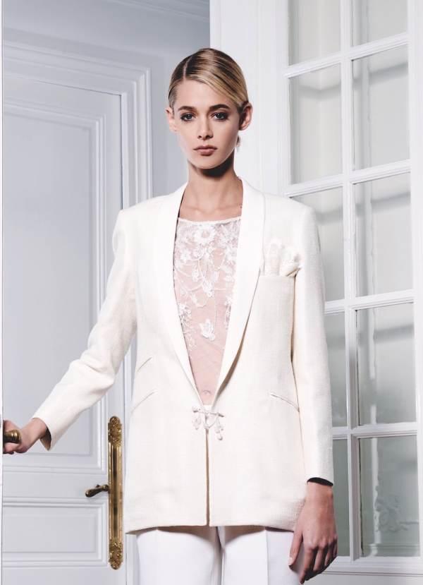 robe-de-mariee-fanny-liautard-tailleur-veste-et-pantalon-et-blouse-de-dentelle-millemariages