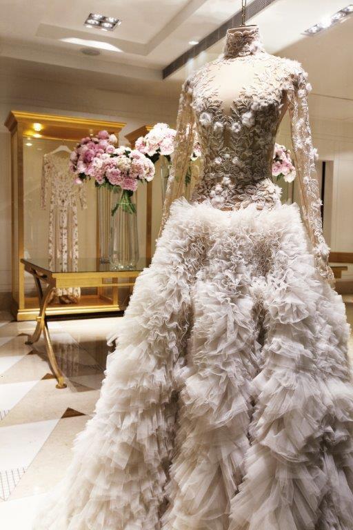 boutique de robes de mariée de zuhire murad à paris