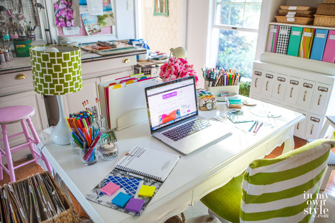 Desk-Decorating-ideas