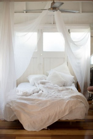 awesome-mosquito-nets-for-your-bedroom-6-554x829