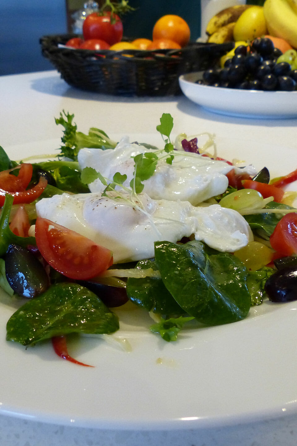 Poached eggs with salad