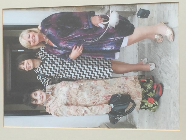 Milly, Shula, Norina at Gavin and Phalla Wedding, photo by Fraser Grey