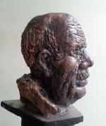 Sculpture en raku, Caractères attribués la vieillesse : sagesse et sérénité. Visage chargé de rides.