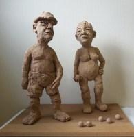 LES BOULES / grès chamotté et bois / (44 x 60 x 40 cm)