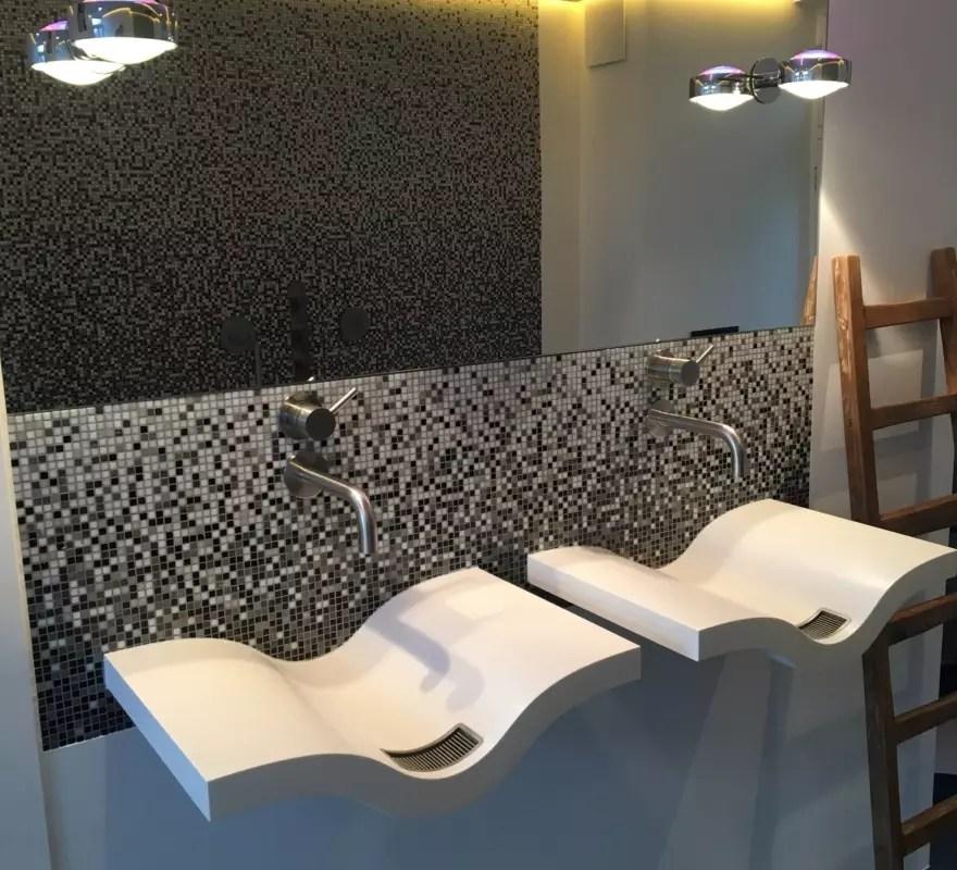 mozaïek glasmozaiek wit zwart verlopend sfumature maatwerk badkamer