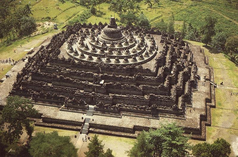 Cosmic Architecture of Borobudur