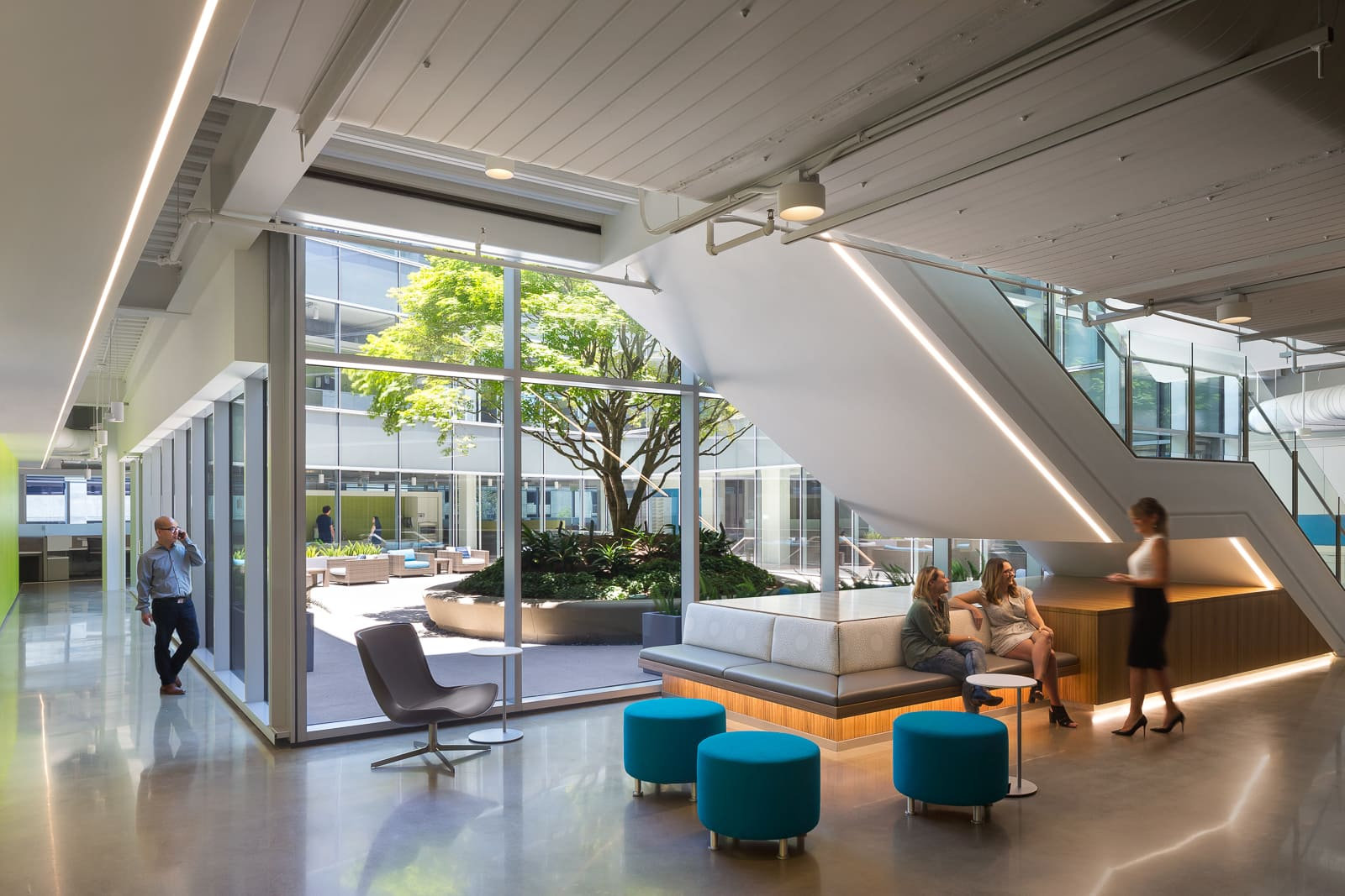 Cool Office Spaces Ideas That Make You Look Forward To Work