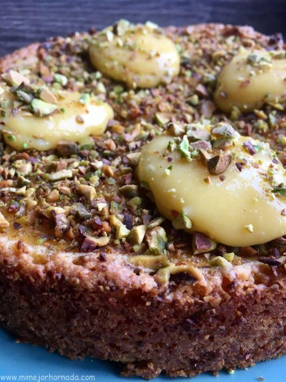 Bizcocho de crema de limón y pistachoswww.mimejorhornada.com
