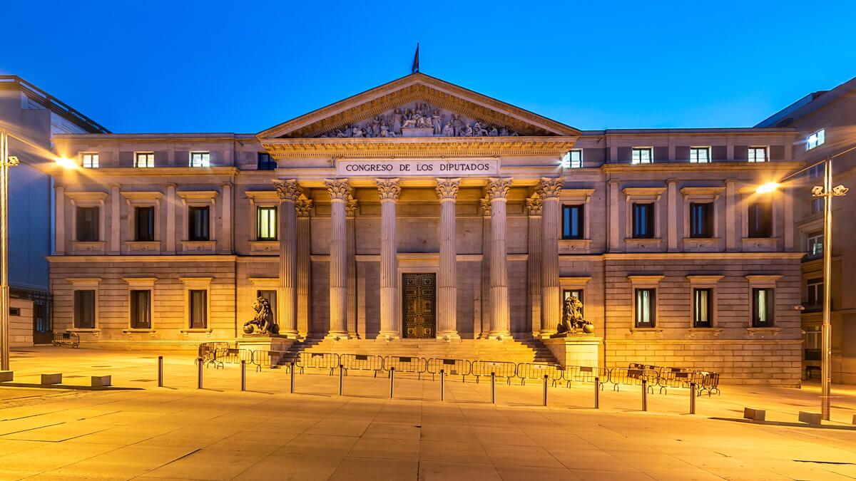 Exterior del Congreso de los Diputados en Madrid, España