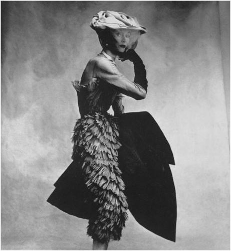 Irving-Penn-Balenciaga-Dress-1950.jpg