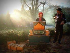 Orgue de Barbarie et accordéon