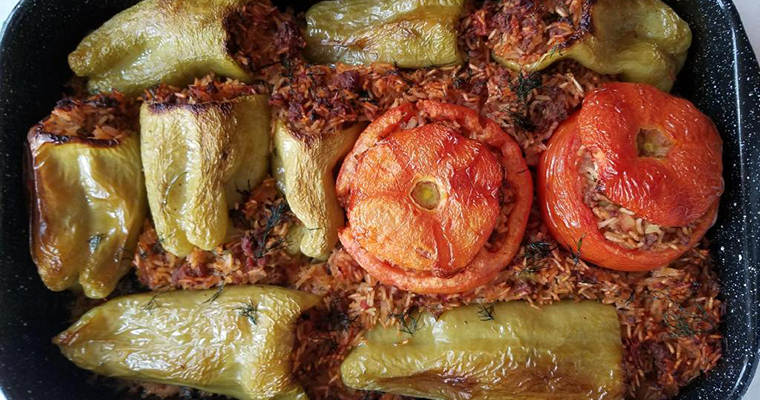 Stuffed Peppers with Ground Beef and Rice (Speca të Mbushura me Mish)