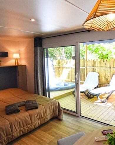 Mobil home avec jacuzzi privatif Herault  Camping avec jacuzzi priv