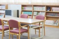 図書室はゆったりとした空間。
