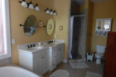Beachy Keen - master bathroom