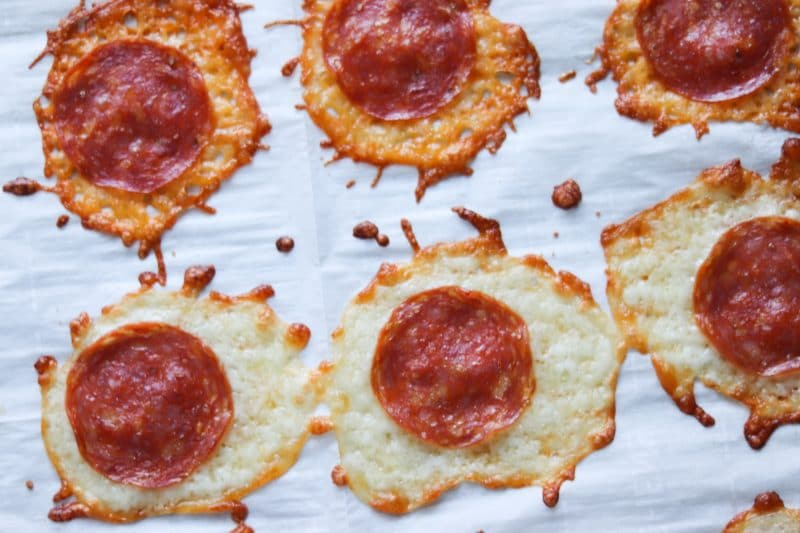 Pepperoni Chips recipe | #lowcarb #keto alternative to chips! | mincerepublic.com