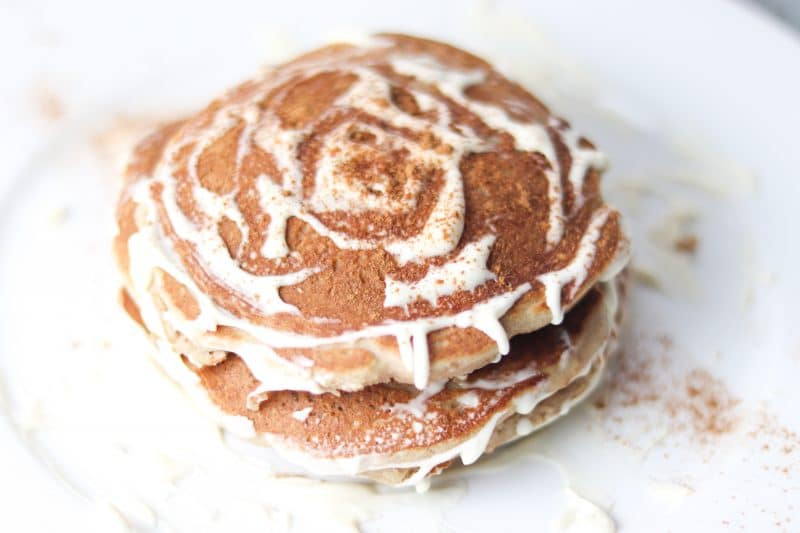 Keto Cinnamon Roll Pancakes Recipe | Easy #keto #lowcarb pancakes recipe perfect for #breakfast or #brunch | mincerepublic.com