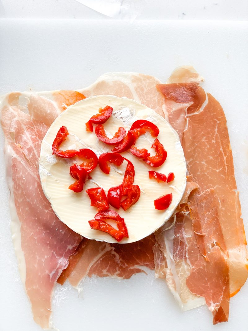Prosciutto Wrapped Brie with Cherry Peppers recipe   #keto #lowcarb   mincerepublic.com