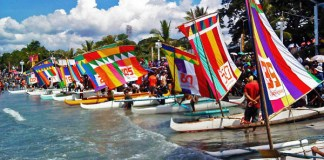 Participants to the 37th Regatta Zamboanga line up their colorful vintas (boats) along Cawa-cawa Boulevard in Zamboanga City on Sunday, October 9, 2011. The race is one of the activities of the fiesta celebration of Zambonga City's patron saint Nuestra Senora del Pilar (Our Lady of the Pillar) on October 12. MindaNews photo by Jules Benitez