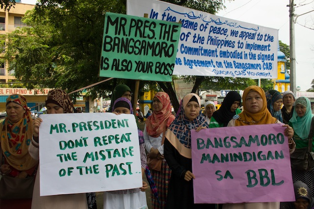 Members of the Sulong Bangsamoro Movement deliver their messages on the peace agreement during a rally on Monday morning at the Cotabato City plaza. MindaNews photo by Toto Lozano