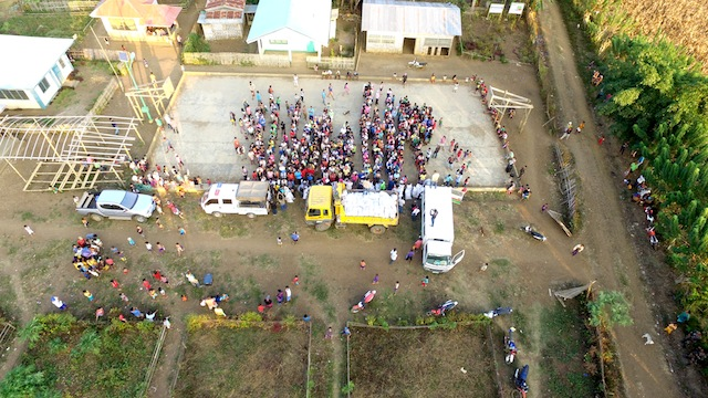 Distribution of relief goods in Barangay Kigan, South Upi, Maguindanao on February 5, 2016. Drone photography by FERDINANDH B. CABRERA / MindaNews
