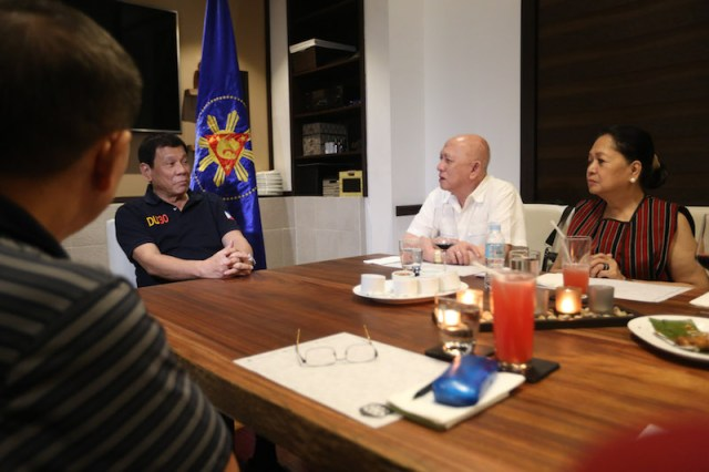 President Rodrigo Roa Duterte meets with National Democratic Front (NDF) peace panel chair Fidel Agcaoili and wife Chit, the Tiamzon couple Benito and Wilma for dinner at Bondi and Bourke Restaurant at Legaspi Suites, Davao City on December 2,2016. TOTO LOZANO/Presidential Photo