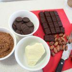 Raw cacao display