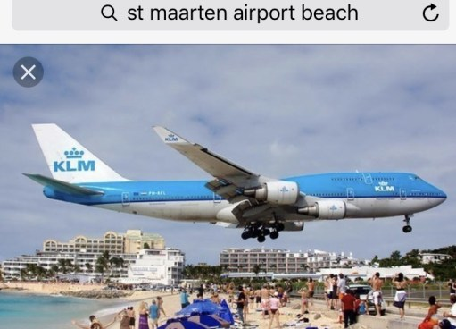 Lammersdorf: St Maarten Airport Beach. Mind your heads!