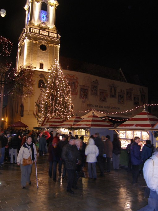 The Kitchen Window: Bratislava Christmas Market. Diddley with crutch.