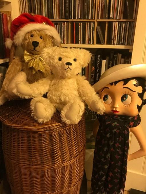 Little White Bear: The Three Amigos?