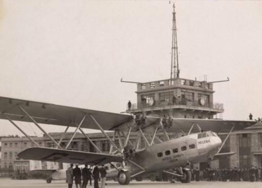 """Croydon Airport: HP42 Imperial Airways. """"Helena""""."""